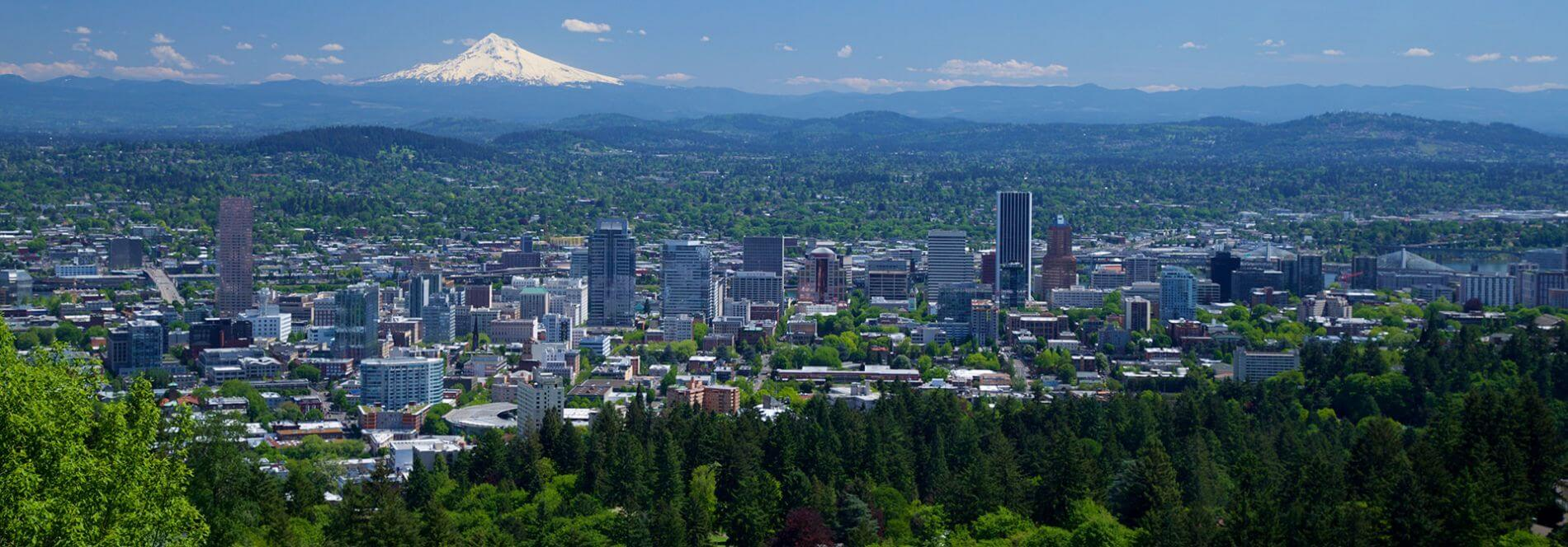 Panoramic photo of Portland, OR.